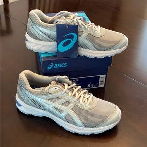 New Women's ASICS Athletic Shoes. Grey/Silver 8.5